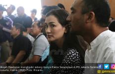 Penuhi Janji, Atiqah Hasiholan Temani Ratna Sarumpaet Disidang - JPNN.com