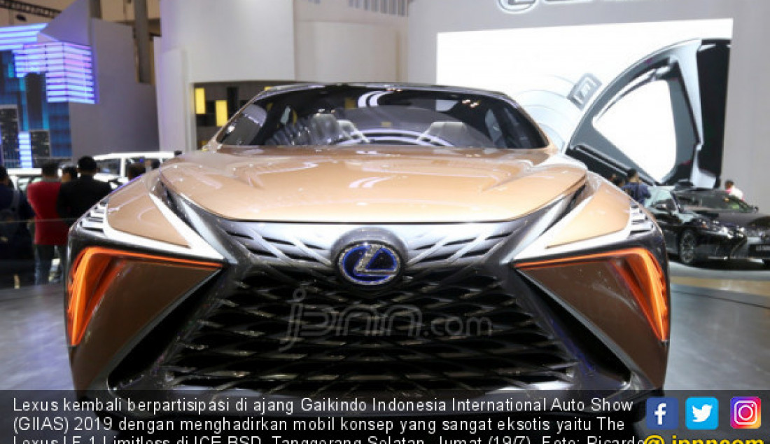 Lexus kembali berpartisipasi di ajang Gaikindo Indonesia International Auto Show (GIIAS) 2019 dengan menghadirkan mobil konsep yang sangat eksotis yaitu The Lexus LF-1 Limitless di ICE BSD, Tanggerang Selatan, Jumat (19/7). Foto: Ricardo - JPNN.com