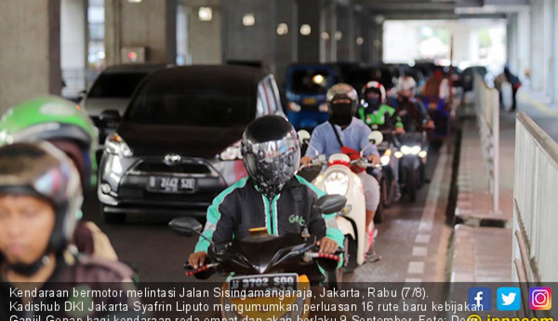 Kendaraan bermotor melintasi Jalan Sisingamangaraja, Jakarta, Rabu (7/8). Kadishub DKI Jakarta Syafrin Liputo mengumumkan perluasan 16 rute baru kebijakan Ganjil-Genap bagi kendaraan roda empat dan akan berlaku 9 September. Foto: Dery R/Jawa Pos - JPNN.com