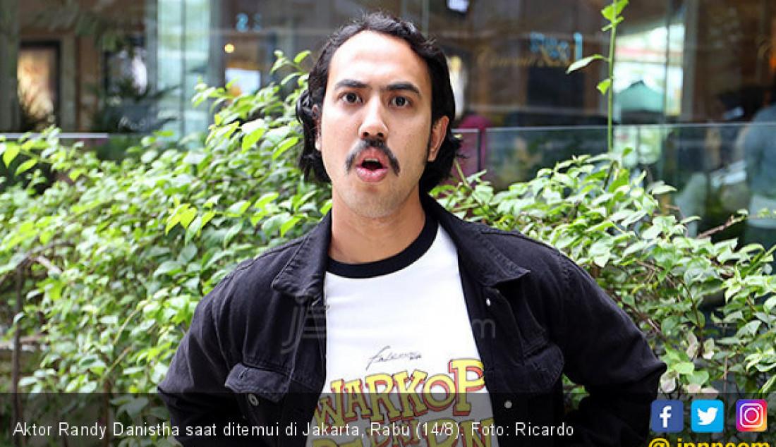 Aktor Randy Danistha saat ditemui di Jakarta, Rabu (14/8). Foto: Ricardo - JPNN.com