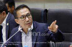 Herman Herry PDIP Soroti Misinformasi dari Kapolda Sultra soal 49 TKA Tiongkok - JPNN.com