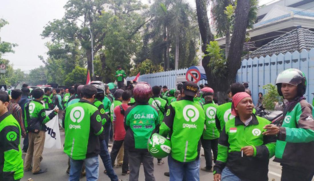 Ratusan Ojol di Medan Gelar Aksi Solidaritas - JPNN.com