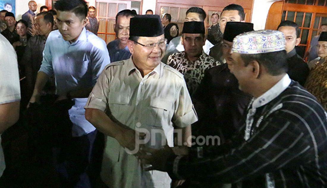 Prabowo Melayat ke Kediaman Alm. BJ Habibie - JPNN.com