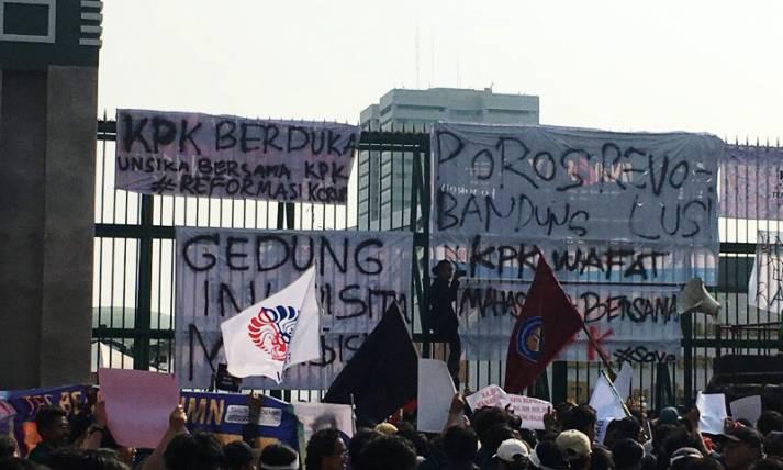 Geruduk DPR, Mahasiswa Sampaikan Dua Tuntutan - JPNN.com