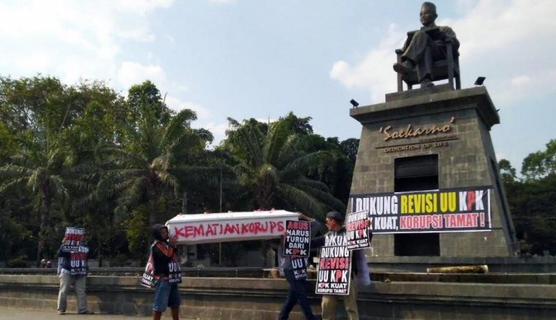 Warga Solo Dukung Pengesahan Revisi UU KPK - JPNN.com