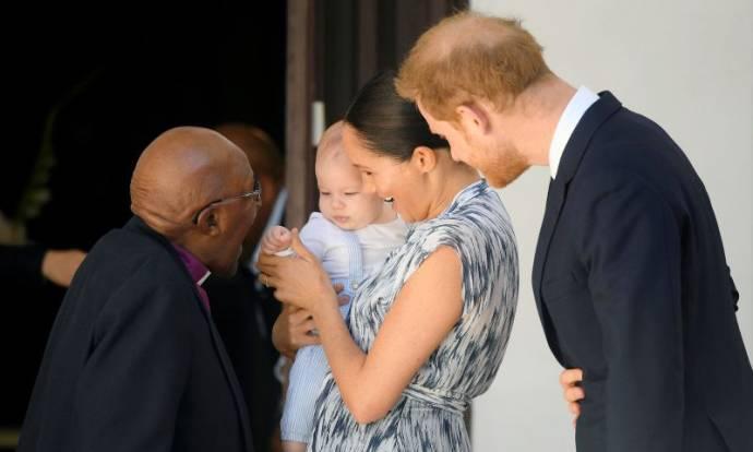 Pangeran Harry Kunjungi Pusat Kesehatan Malawi