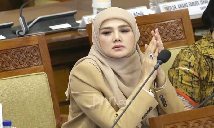 Anggota DPR Mulan Jameela