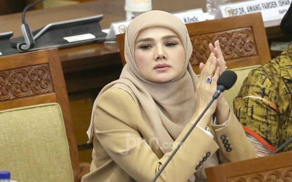 Mulan Jameela Woles Ditugaskan di Komisi VII DPR - JPNN.com