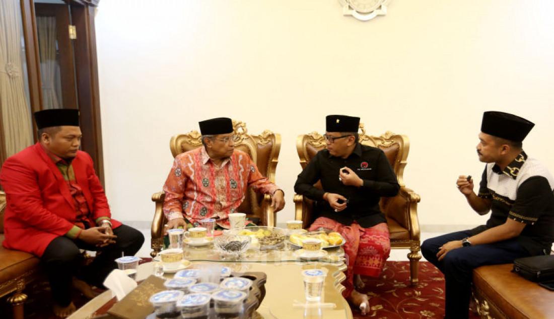 Hasto Kristiyanto Berkunjung ke Pondok Pesantren Luhur Al Tsaqafah - JPNN.com
