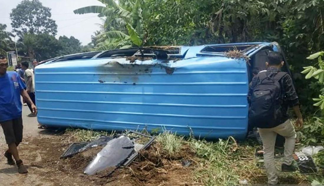 Naas, Mobil Rombongan Pencak Silat Terbalik - JPNN.com