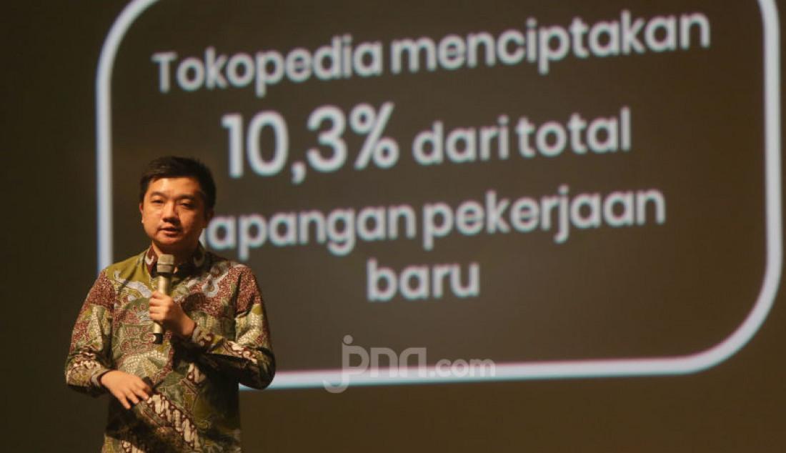 CEO Tokopedia William Tanuwijaya menjelaskan mengenai beberapa hasil riset LPEM FEB UI dalam diskusi publik bertajuk Dampak Tokopedia terhadap Perekonomian Indonesia, Jakarta, Kamis (10/10). Tokopedia yang telah memberikan pengaruh besar untuk perekonomian Indonesia. Foto: Ricardo - JPNN.com