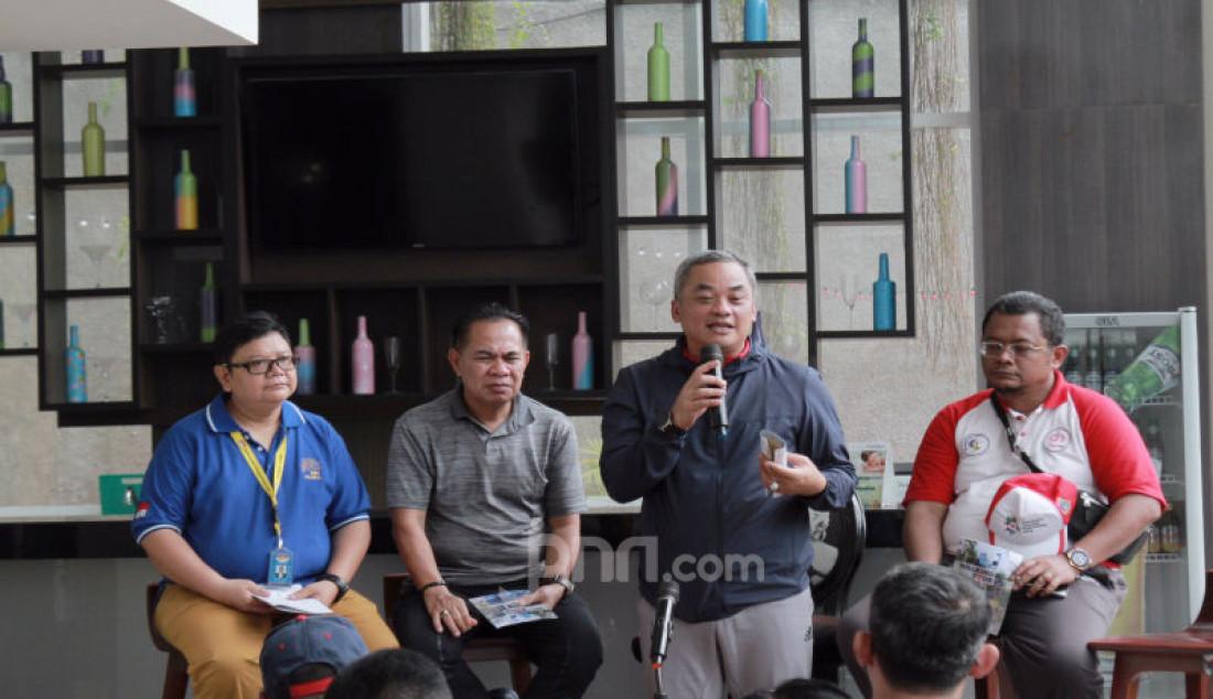 Walikota Jakpus Bayu Megantara Sonti dalam acara Jakarta Walking Tour di Jalan MH Thamrin, Jakarta, Jum'at (11/10). Foto: Ricardo - JPNN.com