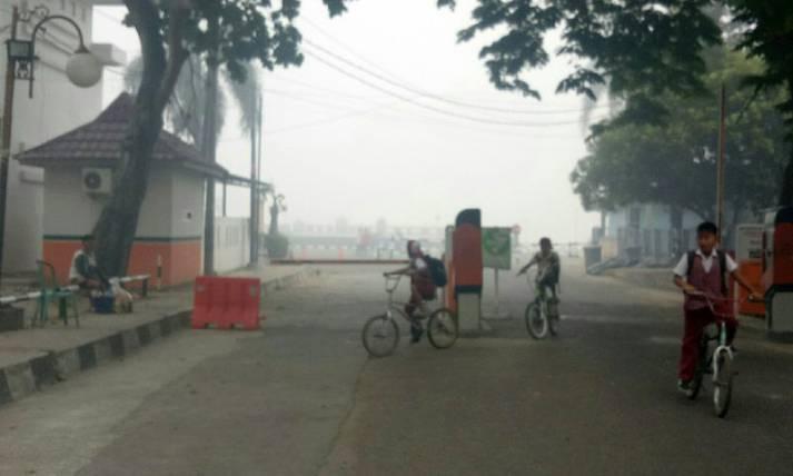 Akibat Kabut Asap, Siswa Dipulangkan Lebih Awal - JPNN.com