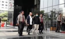 Tiba di KPK, Wali Kota Medan Langsung Diperiksa - JPNN.com