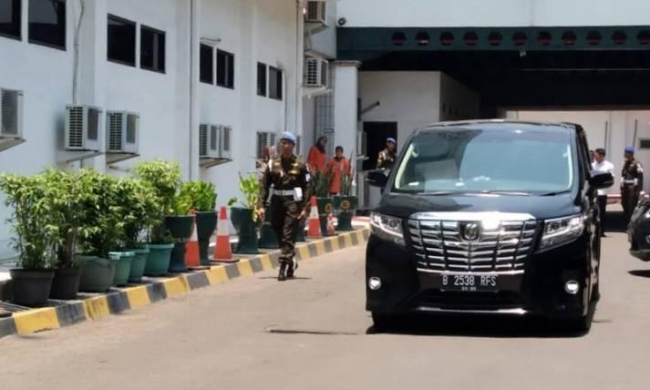 Wiranto Tinggalkan RSPAD Gatot Soebroto - JPNN.com