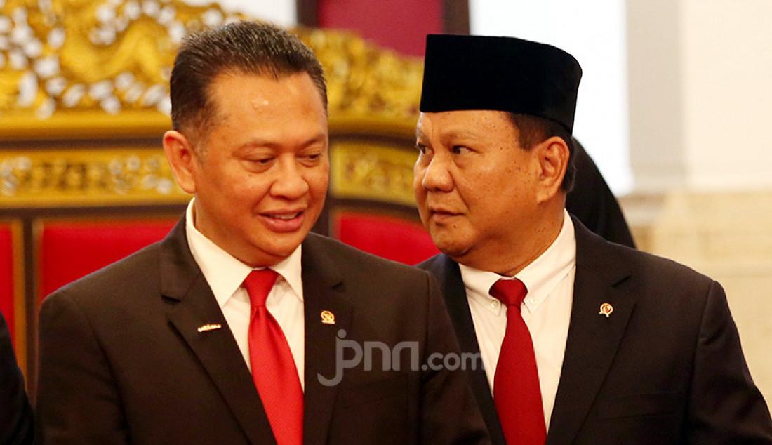 Menhan Prabowo Subianto menghadiri Pelantikan Kapolri di Istana Negara, Jakarta, Jumat (1/11). Foto: Ricardo - JPNN.com