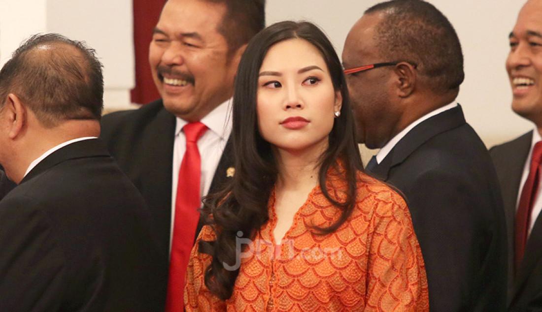 Wamen Pariwisata dan Ekonomi Kreatif Angela Tanoesoedibjo menghadiri Pelantikan Kapolri di Istana Negara, Jakarta, Jumat (1/11). Foto: Ricardo - JPNN.com