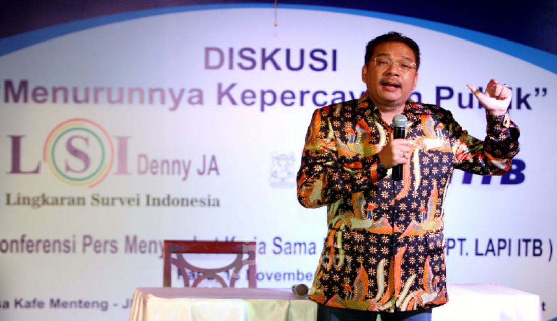 Pendiri LSI Denny JA memberikan paparan diskusi bertema