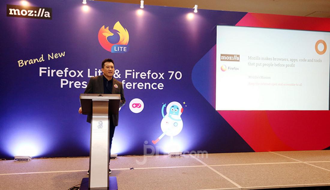 VP and General Manager of Emerging Markets Mozilla Stan Leong di acara press conference Firefox Lite, Jakarta, Rabu (27/11). Versi terbaru dari Firefox Lite ini menawarkan fitur multi-fungsi serta memungkinkan pengguna untuk merasakan pengalaman berinternet yang lebih mudah, efisien dan aman. Foto: Ricardo - JPNN.com