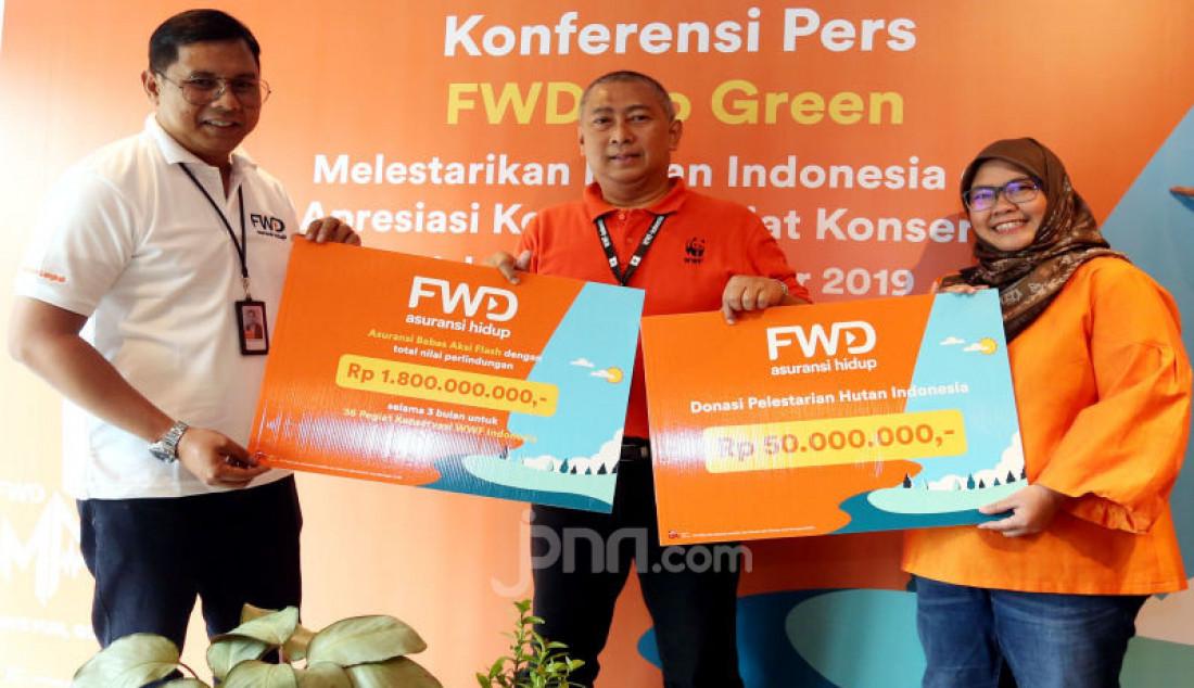 FWD Life Bersama WWF Indonesia Kampanyekan Go Green - JPNN.com