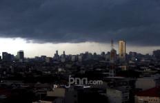 Peringatan Dini BMKG: Hujan Lebat Guyur Jabodetabek Malam Ini, Berikut Titik Lokasinya - JPNN.com