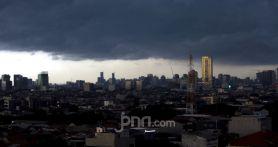 Peringatan Dini BMKG: Hujan Lebat Guyur Jabodetabek Malam Ini, Berikut Titik Lokasinya