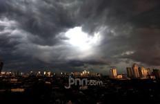 Peringatan Dini BMKG untuk Warga Jakarta, Masyarakat Depok dan Bogor Silakan Ikut Baca - JPNN.com