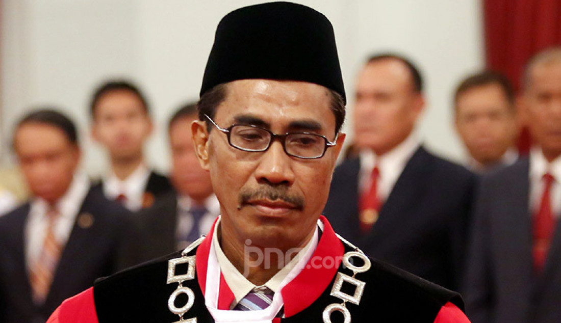 Hakim MK Daniel Yusmic Pancastaki Foekh di Istana Negara, Jakarta, Selasa (7/1). Foto: Ricardo - JPNN.com