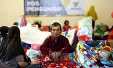 Warga Pengadegan Masih Bertahan Di Pengungsian - JPNN.com