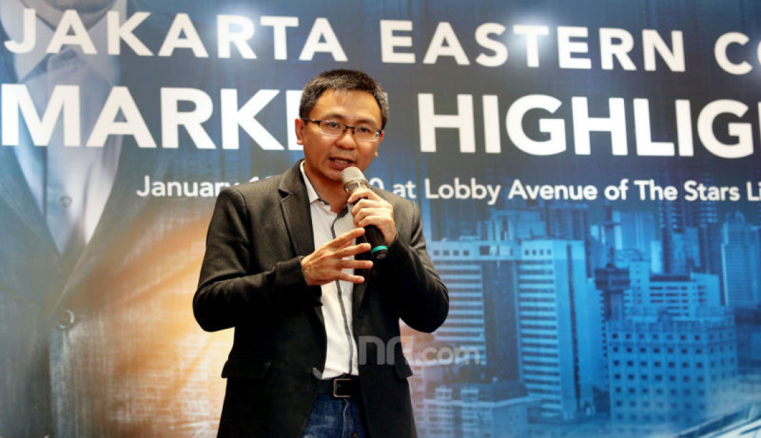 CEO Indonesia Property Watch Ali Tranghanda menyampaikan paparan