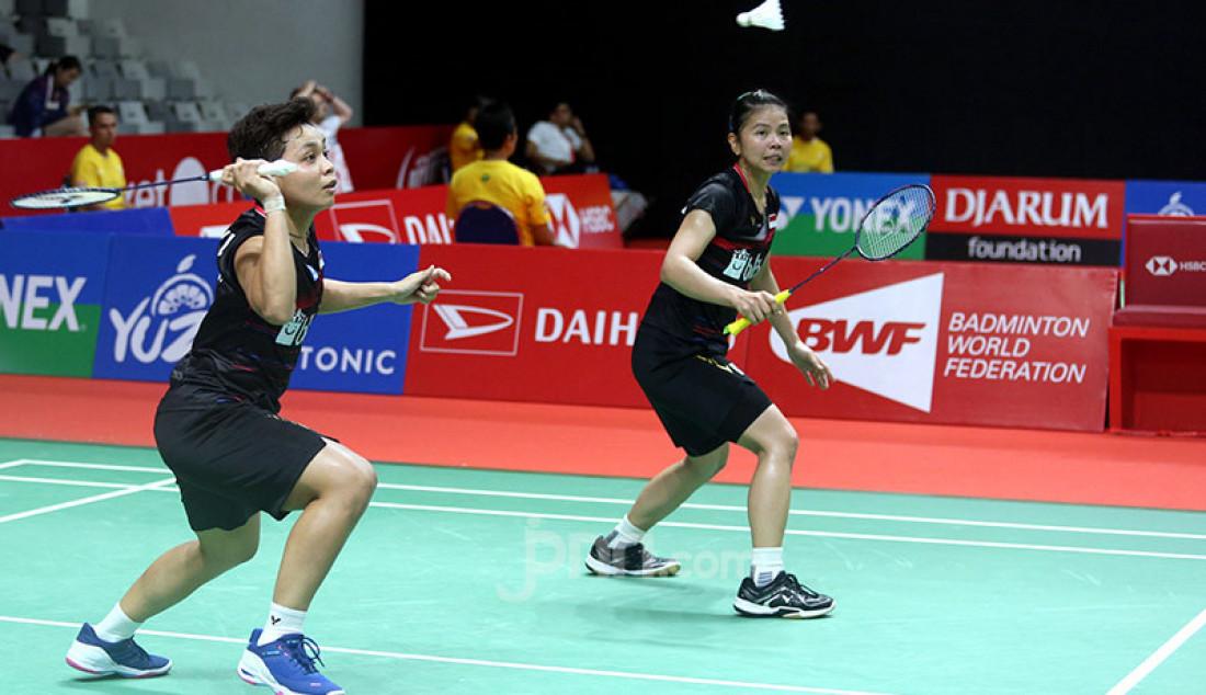 Ganda putri Indonesia Greysia Polii dan Apriyani Rahayu saat bertanding pada turnamen Indonesia Masters 2020, Jakarta, Kamis (16/1). Polii dan Apriyani menang atas lawannya dengan skor 21-19 dan 21-10. Foto: Ricardo - JPNN.com