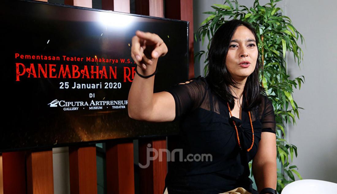 Aktris Sha Ine Febriyanti mengunjungi kantor Genpi.co, Jakarta, Rabu (22/1). Foto: Ricardo - JPNN.com