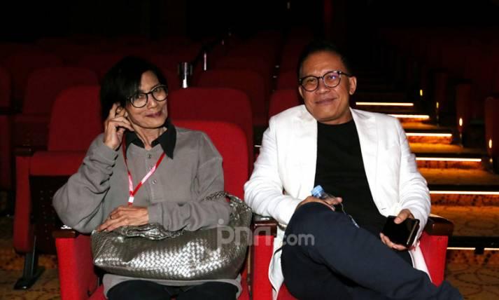 Ken Zuraida dan Produser Panembahan Reso Auri Jaya - JPNN.com