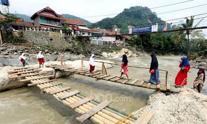 Jembatan Penghubung 4 Kampung Belum Dibangun
