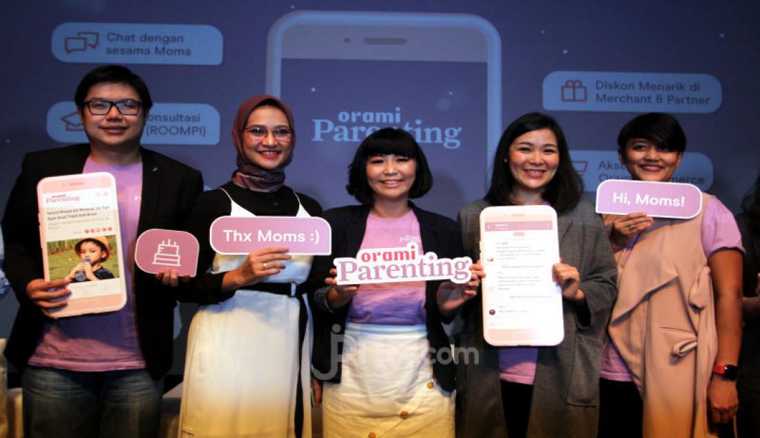 Aplikasi parenting berbasis komunitas ini memungkinkan para ibu saling berdiskusi sesama ibu, konsultasi gratis dengan para ahli, membaca artikel parenting, menikmati diskon diratusan merchant dan juga akses ke Orami Commerce. Foto: Ricardo - JPNN.com