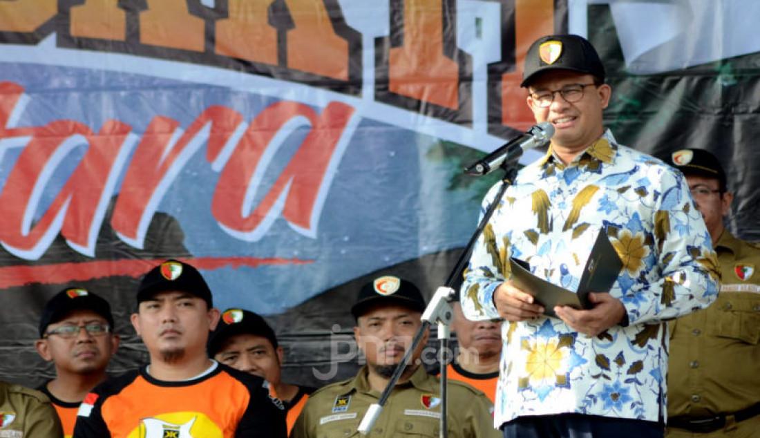Gubernur DKI Jakarta Anies Baswedan memberikan sambutan pada pembukaan Kemah Bakti Nusantara (Kembara) 2020 yang berlangsung mulai Jumat (14/2) sampai Minggu (16/2) di Bumi Perkemahan dan Graha Wisata Cibubur, Jakarta Timur. Foto: Ricardo - JPNN.com