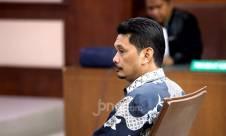 Mantan Dirut PT INTI Jalani Sidang Tuntutan - JPNN.com