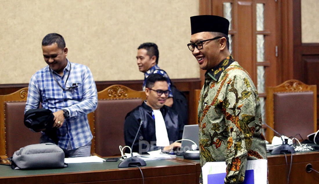 Terdakwa kasus suap pengurusan dana hibah KONI dan gratifikasi, mantan Menpora Imam Nahrawi menjalani sidang pemeriksaan saksi di Pengadilan Tipikor, Jakarta, Jumat, (21/2). Foto: Ricardo - JPNN.com