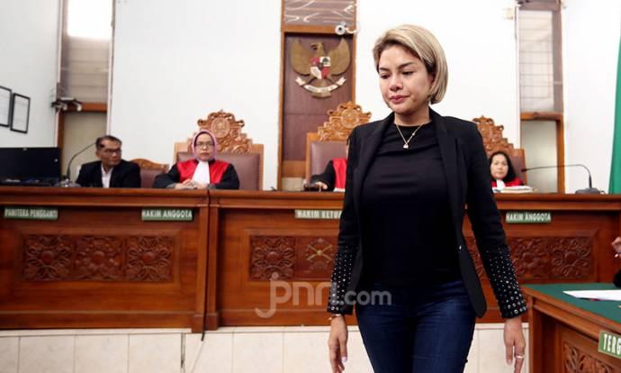 Nikita Mirzani Jalani Sidang Kasus Penganiayaan