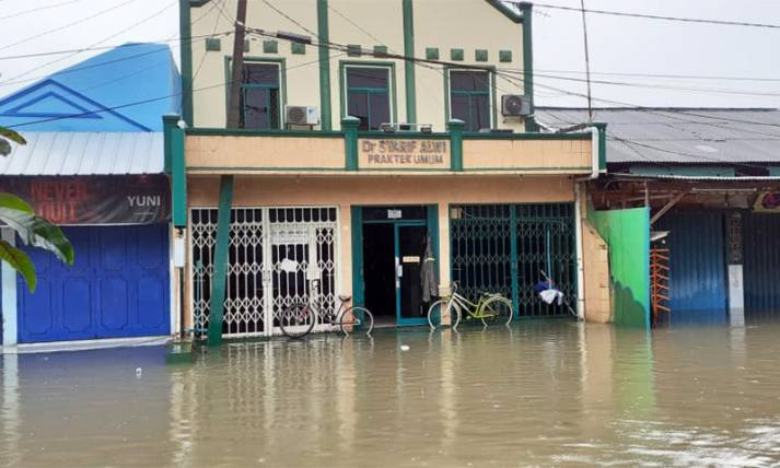 Klinik Milik Dokter Timnas Terendam Banjir - JPNN.com