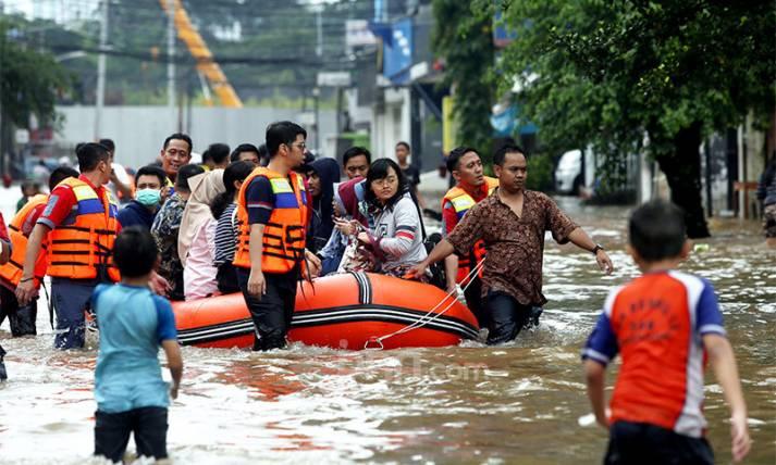 Warga Kawasan Benhil Mulai Dievakuasi - JPNN.com