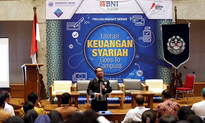 Literasi Keuangan Syariah Goes To Campus - JPNN.com
