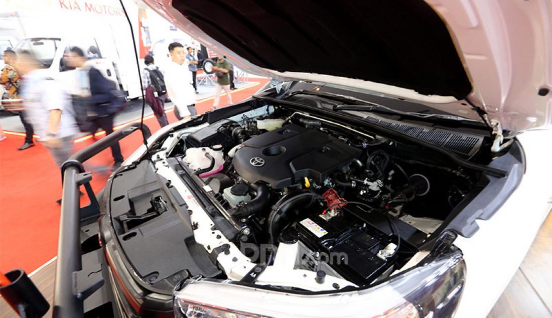 Pameran GAIKINDO Indonesia International Commercial Vehicle (GIICOMVEC) 2020, Jakarta, Kamis (5/3). Puluhan merek dari berbagai industri otomotif mewarnai pameran tersebut. Foto: Ricardo - JPNN.com