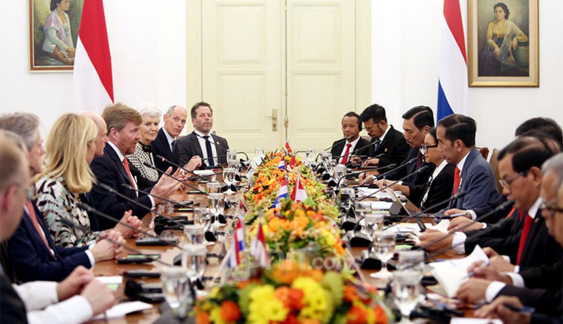 Presiden Joko Widodo menerima kunjungan Raja Belanda Willem Alexander beserta Ratu Maxima di Istana Bogor, Jawa Barat, Selasa (10/3). Foto: Ricardo - JPNN.com