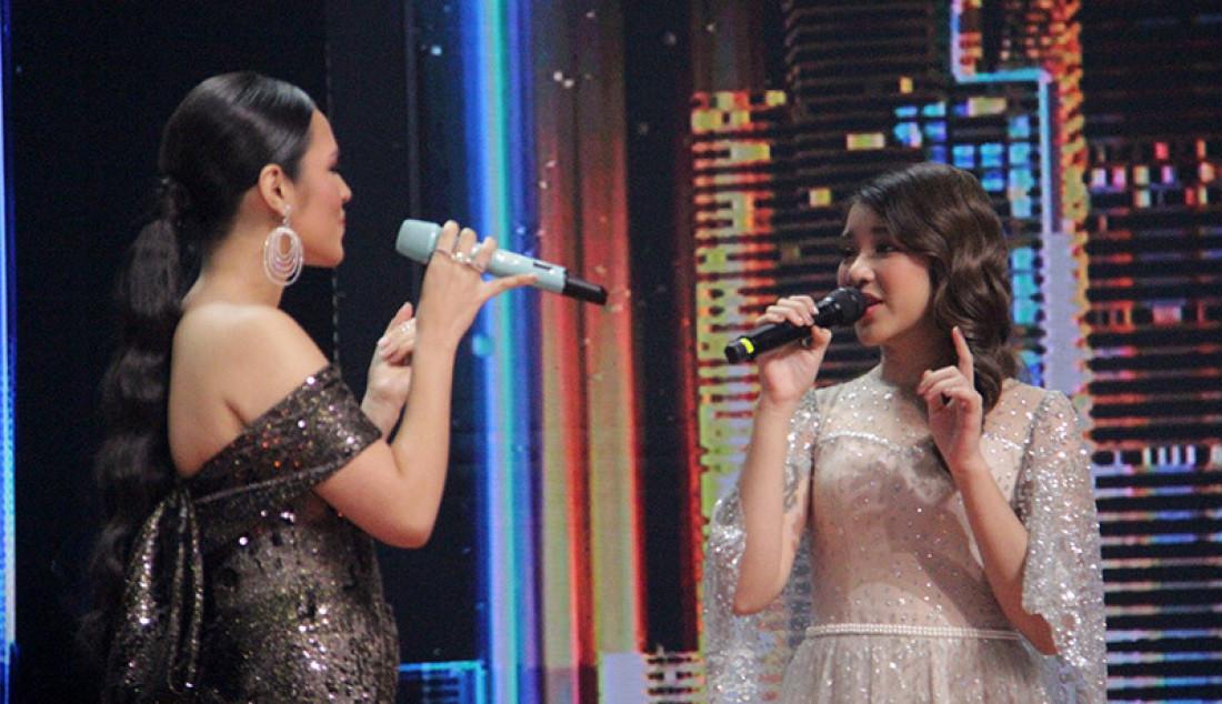 Penampilan yang anggun oleh Raisa yang membawakan lagu 'Teristimewa' saat konser Kemenangan Idol, Jakarta, Senin (9/3). Foto: Aksan Yusuf for JPNN.com - JPNN.com