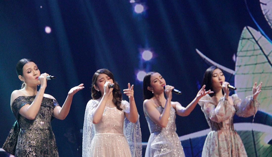 Penampilan Grup yang sangat memukau oleh Tiara, Raisa, Lyodra dan Isyana membawakan lagu 'Anganku Anganmu' saat konser Kemenangan Idol, Jakarta (9/3). Foto: Aksan Yusuf for JPNN.com - JPNN.com