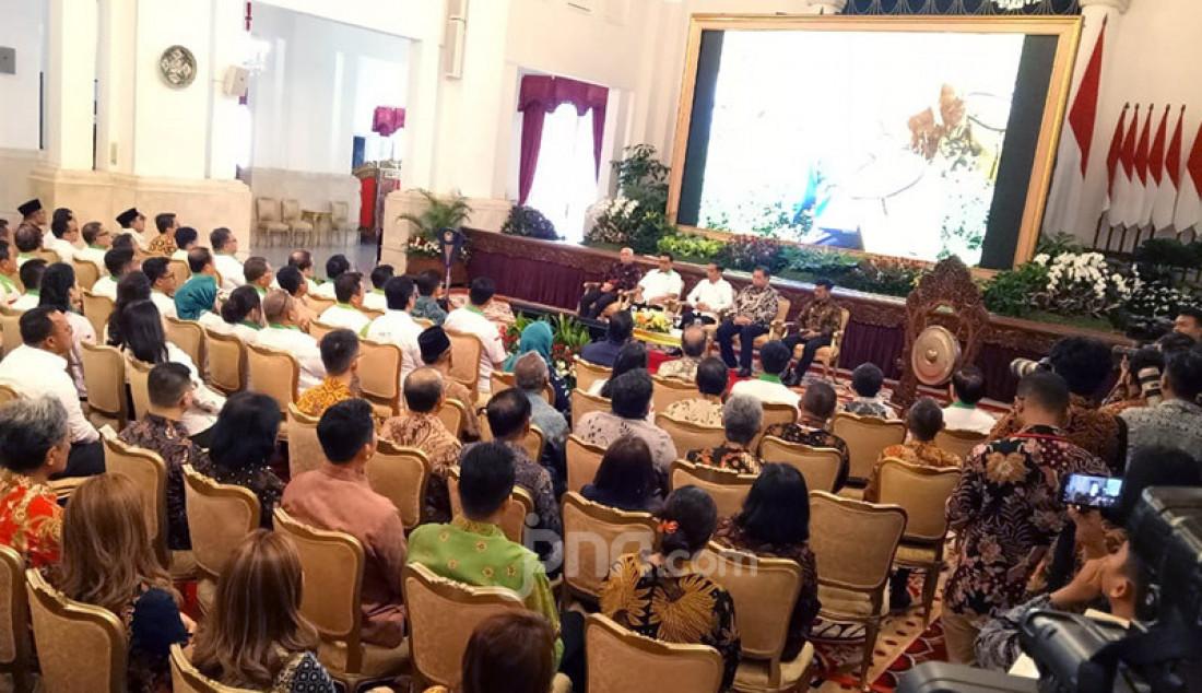 Presiden Joko Widodo membuka The 2nd Asian Agriculture & Food Forum (ASAFF) Tahun 2020 di Istana Negara, Jakarta, Kamis (12/3). Jokowi ingin Himpunan Kerukunan Tani Indonesia (HKTI) mengerjakan program yang mendobrak. Foto: Fathan Sinaga - JPNN.com
