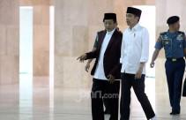 Jokowi Pantau Penyemprotan Desinfektan di Istiqlal - JPNN.com