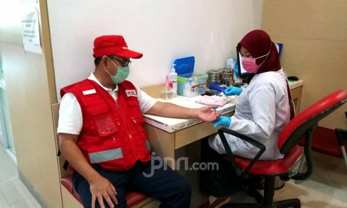 PMI Edukasi Donor Darah Aman Di Tengah Wabah Virus Covid-19 - JPNN.com