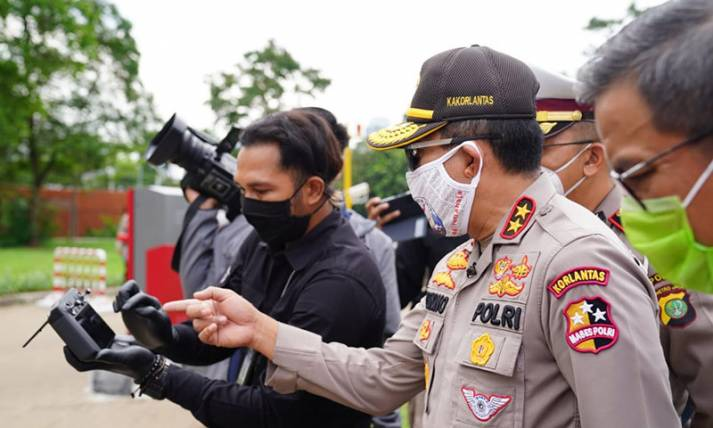 Pantau Suhu Tubuh, Polri Gunakkan Drone - JPNN.com